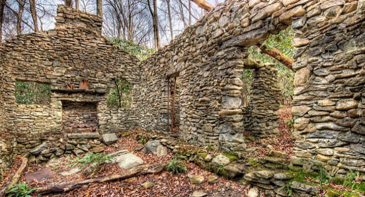 image of sugarlands stone cabin